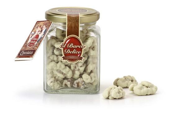 Foto de Bombones de nueces con chocolate blanco