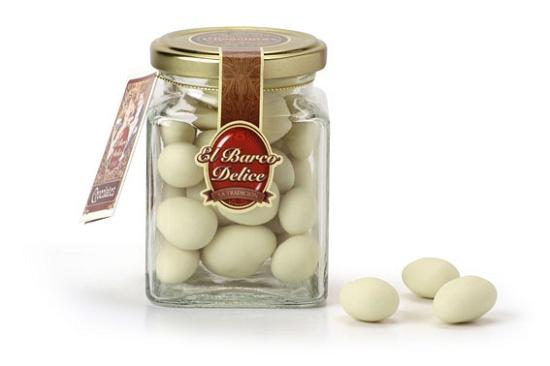 Foto de Bombones de almendras con chocolate blanco