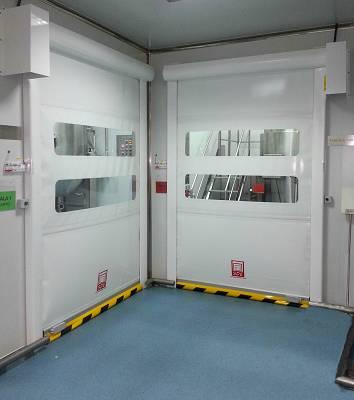 Foto de Puertas rápidas para salas blancas