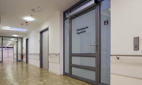 Foto de Automatismos para puertas batientes