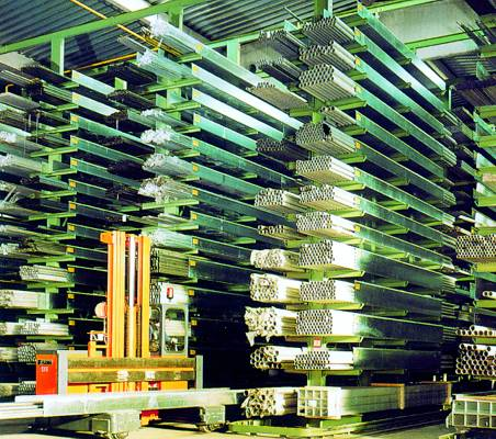 Foto de Estanterías industriales para almacenar metales
