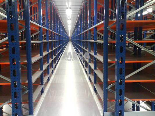 Foto de Estanterías para carga manual