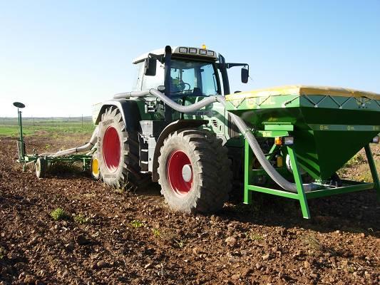 Foto de Tolva delantera para sembradoras
