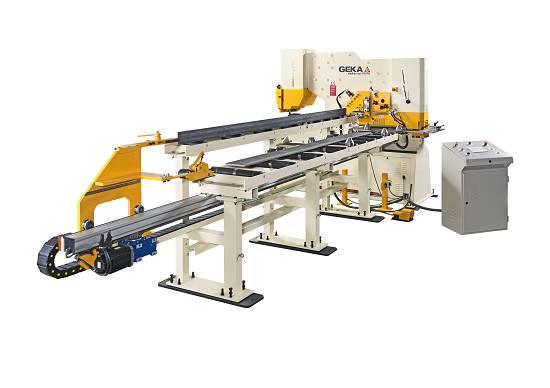 Foto de Procesadores y alimentadores CNC para procesar y alimentar perfiles y pletinas
