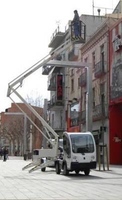 Fotografia de Plataforma elevadora per a vehicles elèctrics