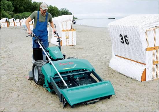 Foto de Equipos para limpieza de playas