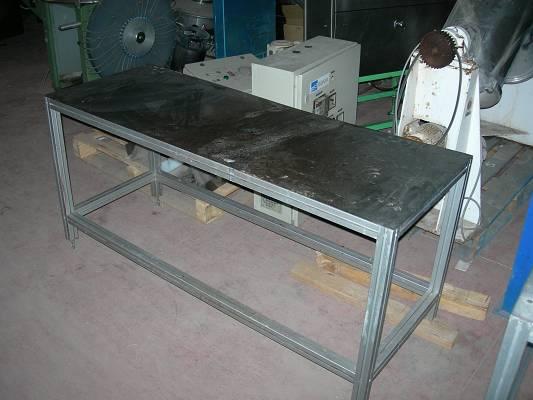 Foto de Mesas de aluminio y acero inoxidable