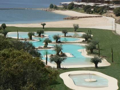 Piscina de arena natursand hoteles y balnearios piscinas - Piscina tipo playa ...