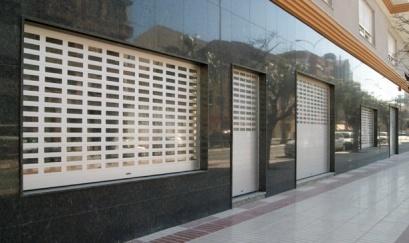 Foto de Puertas de seguridad enrollables y seccionales