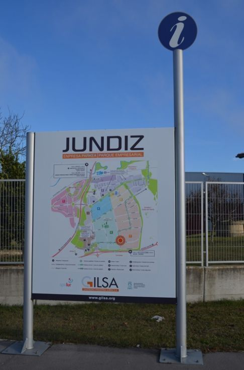 Fotografía de Parcelas frente a A-1 esquina, uso industrial compatible con terciario Jundiz (Sector 21)