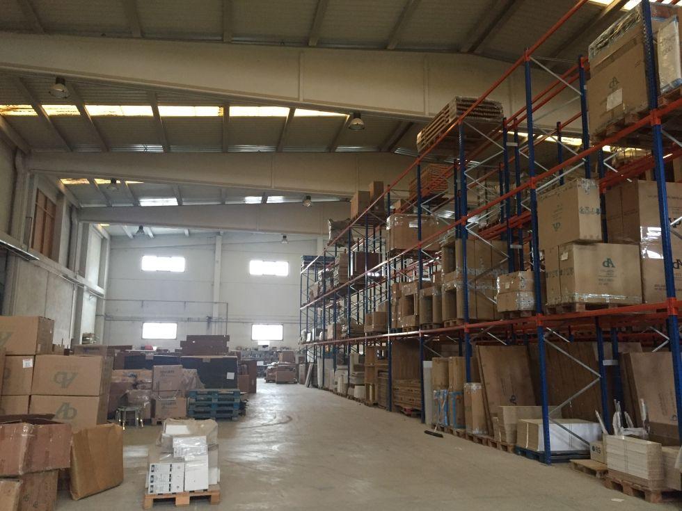 Fotografía de Nave industrial y solar en venta