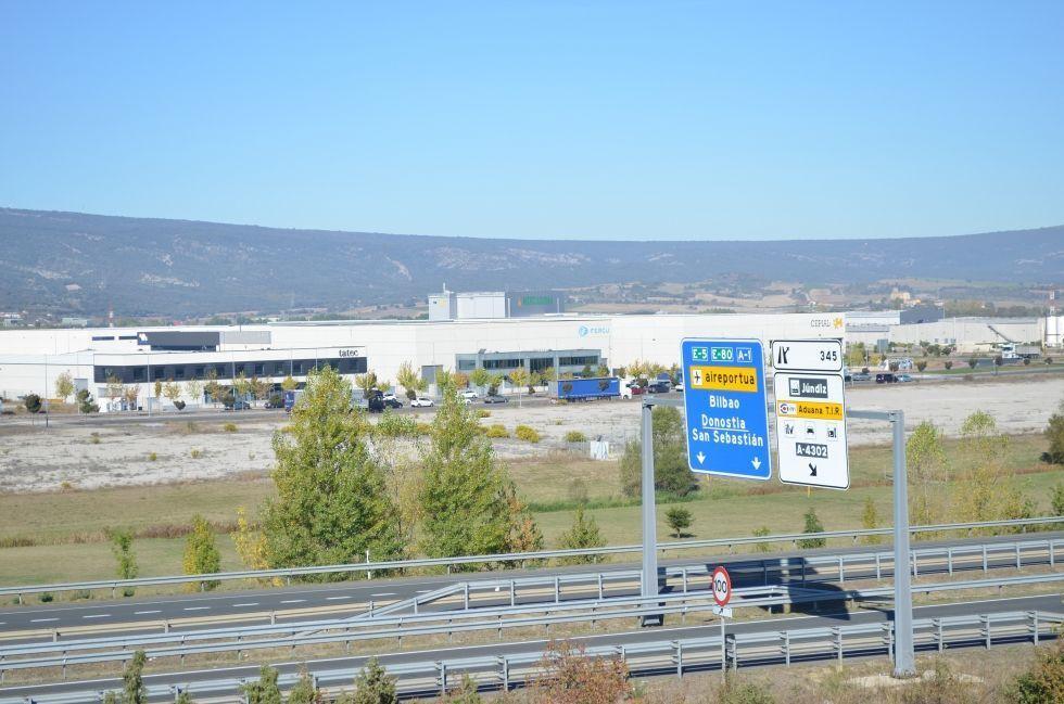 Fotografía de Parcela grande uso industrial Jundiz (Sector 6)
