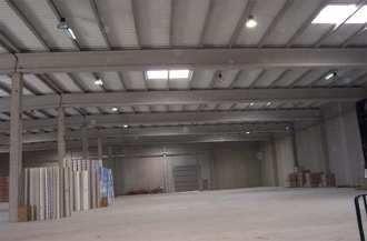 Fotografía de Nave industrial en venta y alquiler en Santa Oliva