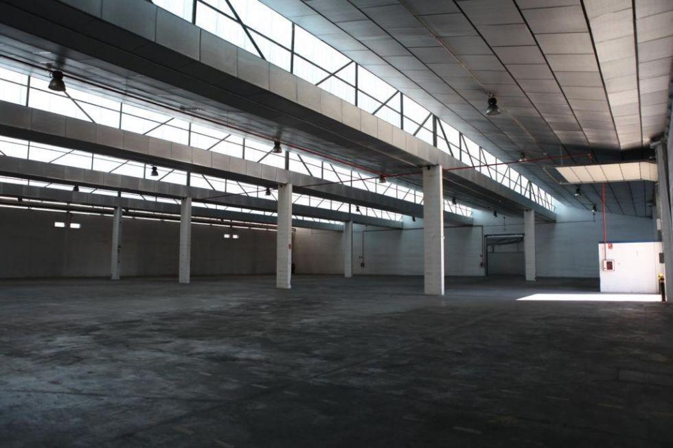 Fotografía de Nave industrial en alquiler y venta