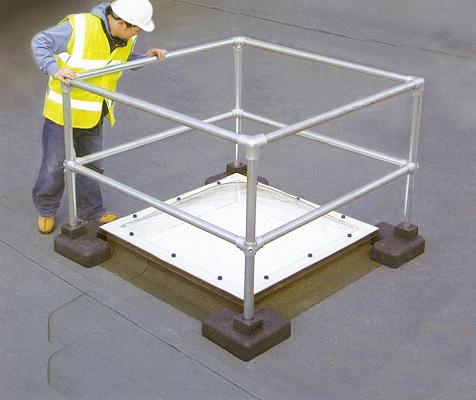 Sistema de barandillas de seguridad kee dome materiales for Barandas de seguridad